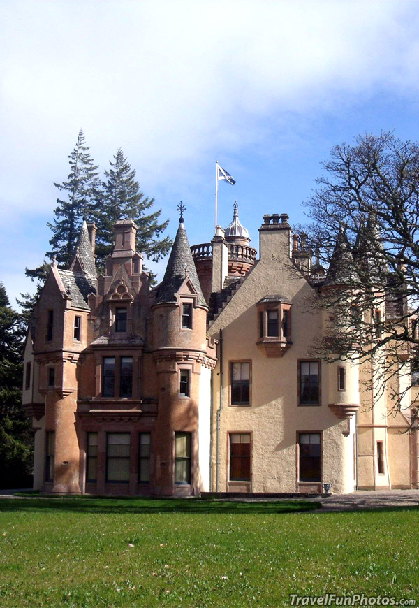 Aldourie Castle in Iverness, Scotland
